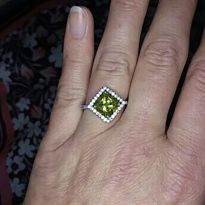 Brilliant Yellow/Green Ring Size 8